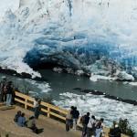El Glaciar Perito Moreno on line, a punto de romperse