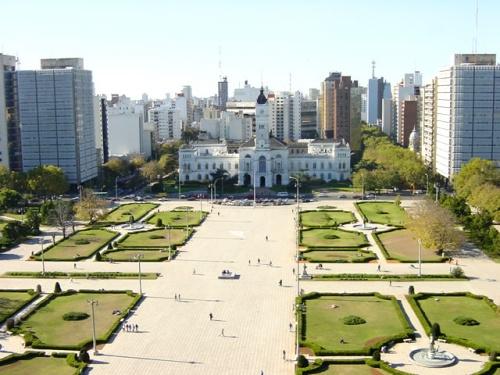 Descubriendo a La Plata desde la Plaza Moreno