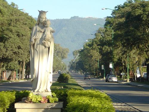 Yerba Buena, paseo desde San Miguel de Tucumán