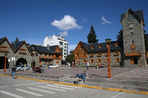 San Carlos de Bariloche Argentina  city images : el centro cívico de bariloche es sin dudas el corazón de esta ...