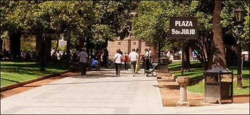 Sitios de interés en Salta Capital: la Plaza 9 de Julio