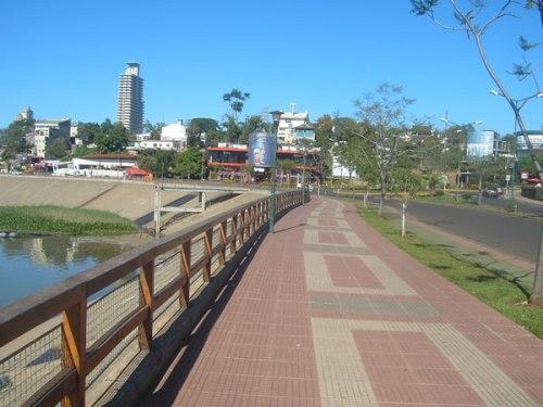 Posadas, costanera del rio Parana